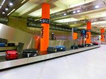 Кёльн, Германия - 12-ое декабря 2017: Внутренний взгляд авиапорта Кёльна Бонна Стоковые Фото