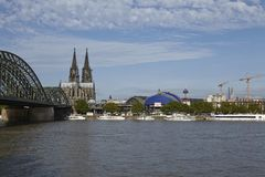 Кёльн - горизонт с собором Кёльна Стоковое фото RF