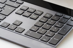 Клавиатура компьютера изолированная на белой предпосылке стоковая фотография rf