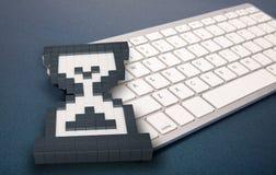 Клавиатура компьютера на голубой предпосылке знаки компьютера перевод 3d иллюстрация 3d Стоковая Фотография