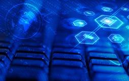 Клавиатура с накаляя значками мультимедиа Стоковое фото RF