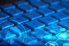 Клавиатура с накаляя значками мультимедиа стоковая фотография
