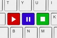 клавиши на клавиатуре компьютера играют стоп Стоковая Фотография RF