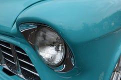 Классицистический headlamp хрома автомобиля Стоковое Изображение RF
