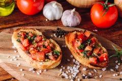 Классическая итальянка Bruschetta с томатами Стоковые Фотографии RF