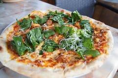 Классическая итальянская пицца стоковая фотография