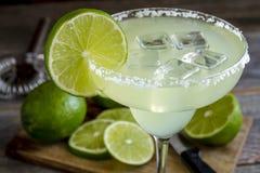 Классические пить Маргариты известки Стоковая Фотография RF