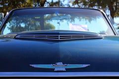 Классический американский ветроуловитель клобука автомобиля Стоковые Изображения RF