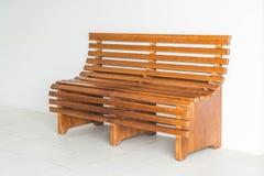 Классический интерьер деревянной скамьи Стоковые Изображения