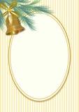 Классический мотив приветствию рождества в винтажном стиле, ветви зеленого цвета елевой и золотом колоколе с лентой Пустой овал д Стоковое Изображение RF