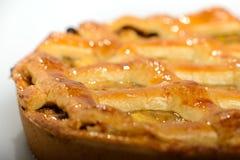 Классический домодельный яблочный пирог, grandmother& x27; рецепт s стоковые фото