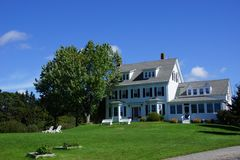 Классицистический дом Новой Англии Стоковое Изображение RF