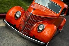 Классический старый винтажный красный автомобиль Стоковые Фотографии RF