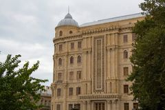 Классический фасад здания с окнами Стоковые Изображения RF
