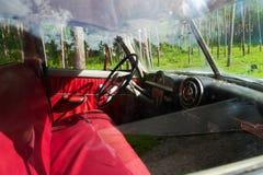 Классический Pontiac Chieftain 14-ого августа 2016 около Rajgrod, провинции Podlaskie, Польши Стоковая Фотография