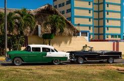 2 классических американских автомобиля Стоковая Фотография