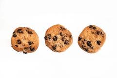 3 классических печенья обломока шоколада изолированного на белой предпосылке Стоковая Фотография