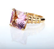Классическое кольцо с бриллиантом Стоковое Изображение