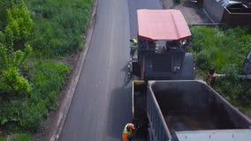 Класть асфальта Взгляд сверху дорожной работы акции видеоматериалы