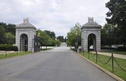 Кладбище Арлингтона, 5-ое августа: Вход национального кладбища Арлингтона от Вирджинии Стоковое Фото