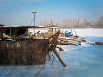 Кладбище корабля зимы стоковое изображение rf