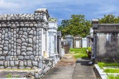 Кладбище Лафайета в Новом Орлеане с историческими тягчайшими камнями Стоковое Фото
