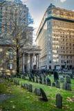 Кладбище хороня земли часовни ` s короля - Бостон, Массачусетс, США Стоковые Фотографии RF