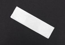 Клейкая лента для герметизации трубопроводов отопления и вентиляции на черной бумаге ремесла Стоковое фото RF