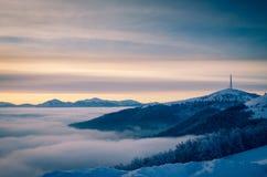 Клетчатая башня связей на горе Восход солнца на horizo Стоковое Фото