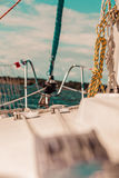 Кливер ролика Генуи Lapper, jibsheet на шлюпке стоковое изображение rf