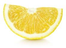 Клин желтых цитрусовых фруктов лимона изолированных на белизне Стоковое фото RF
