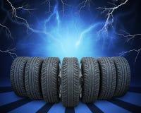 Клин новых колес автомобиля абстрактная предпосылка иллюстрация штока