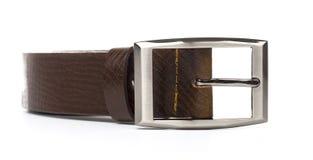 клиппирование коричневого цвета пояса предпосылки изолировало кожаную белизну путя Стоковое Изображение RF