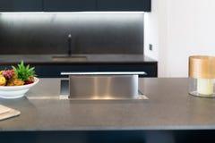 Клобук плитаа Downdraft, серебр металла Стоковое фото RF