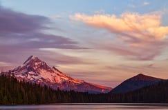 Клобук Mt на unset Стоковая Фотография RF