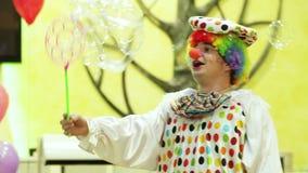Клоун с пузырями акции видеоматериалы