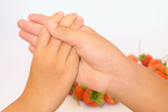 Клубника встряхивания руки стоковое фото rf