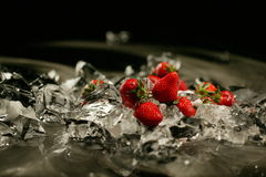Клубника и лед Стоковые Фотографии RF