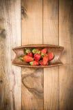 Клубника на древесине Стоковая Фотография