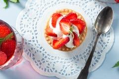 клубника торта домодельная Стоковые Изображения RF