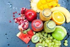 Клубника Smoothie цвета плодоовощ сока тропическая Стоковые Изображения