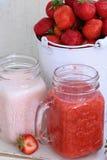 клубники десерта сладостные Десерт клубники с свежими ягодами и y Стоковое Изображение