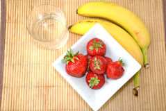 Клубники & десерт бананов Стоковое Изображение RF
