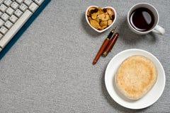 Ключевая доска блюда формы сердца закуски хлеба кофе Стоковое Фото