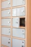 Ключевая смертная казнь через повешение от раскрывать дверей шкафчика Стоковая Фотография RF