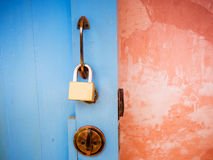 Ключевой замок на двери thd Стоковые Изображения RF