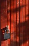 Ключевой замок на красной двери Стоковая Фотография RF