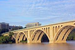 Ключевой мост в утре, DC Вашингтона Стоковая Фотография