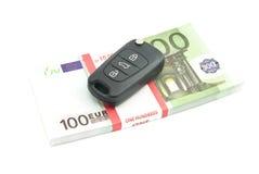 100 ключей банкнот и автомобиля евро Стоковая Фотография RF