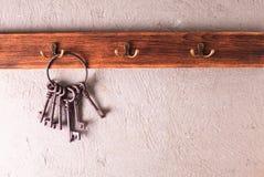 Ключи на крюках Стоковые Фотографии RF